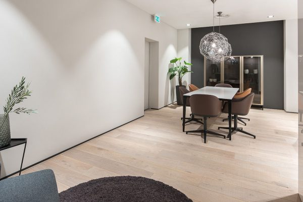 W.01-Showroom-Mandemakers-Keukens-Dennebos-Flooring-3