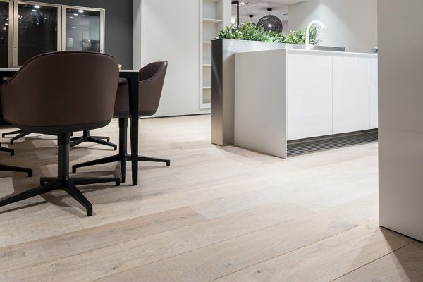 W.01-Showroom-Mandemakers-Keukens-Dennebos-Flooring-4